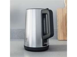 Electrolux Create 4 Kettle E4K1-4ST	 Electric  2400 W  1.7 L  Stainless steel Plastic  360° rotational base  Stainless steel
